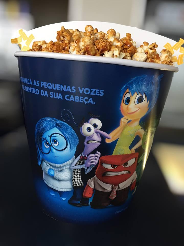 Foto: balde de pipoca decorativo do filme Super Divertida Mente